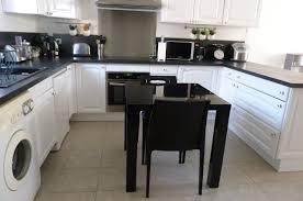 cuisine en blanc modele cuisine blanche stunning modele de decoration de cuisine
