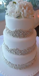 silver wedding cakes best 25 silver big wedding cakes ideas on silver