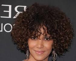 very short hairstyles for women with curly hair