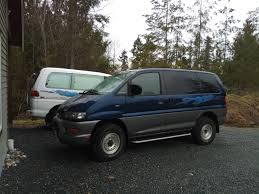 mitsubishi delica space gear used 2000 mitsubishi delica spacegear chamonix gf pd6w for sale