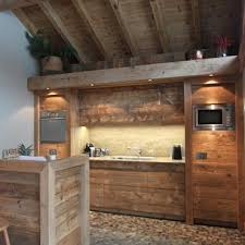 cuisine style montagne cuisines chalets idée déco et aménagement cuisines chalets domozoom