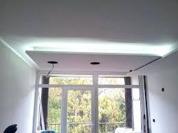 eclairage plafond cuisine lumiere plafond salle de bain charmant ruban led salle de