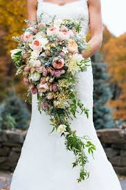 cascade bouquet how to choose the right wedding bouquet the plannersvn