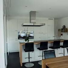 bartisch küche küche weiss mit bartisch wüst schreinerei ag oberriet