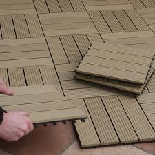 bodenfliesen fã r balkon best 25 balkonbelag ideas on esstisch holz metall