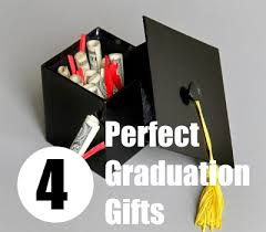 gifts for graduation 4 tips to find the graduation gifts bash corner
