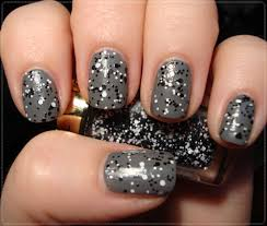 black and white glitter nail polish how you can do it at home