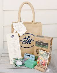 welcome wedding bags shopzters 5 ways to welcome wedding guests