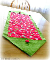how to make a table runner with pointed ends 15 minute table runner purchase 1 3 yard fabric for top of runner