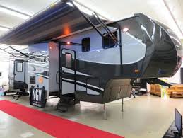 Rv Retractable Awnings Rv Awning Deals On Rv Awnings And Rv Awning Replacement Fabric