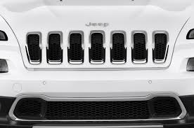 jeep cherokee white 2016 jeep cherokee gains luxurious overland model