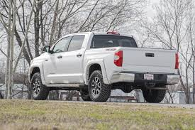 toyota lifted 2 5 3in leveling lift kit for 07 18 toyota 2wd tundra rough
