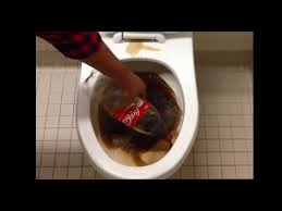 What To Clean A Bathtub With The Effects Of Using Coke To Clean A Dirty Toilet Youtube