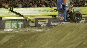 monster truck videos freestyle lee o u0027donnell front flip at monster jam world finals xviii