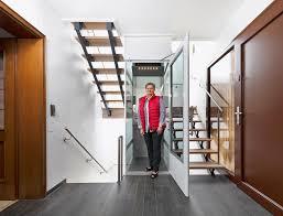 Eigenheim Grenzenlose Wohnbereiche Ein Aufzug Im Eigenheim Reduziert