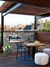 Urban Gardens Chicago A Steel And Wood Pergola Is Pitch Perfect For This Urban Setting