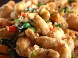 cuisiner des cuisses de grenouilles recette kob kaphao cuisses de grenouilles croustillantes au