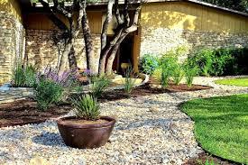 Home Front Yard Design Best 20 River Rock Landscaping Ideas On Pinterest River Rock