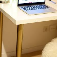 bureau customisé diy 18 déco un bureau customisé avec des pieds or c by clemence
