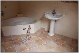 pvc boden badezimmer modern pvc boden ideen bad mit ideen ziakia