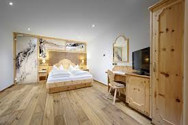 Wohnzimmer Rustikal Modern Schlafzimmer Rustikal Einrichten Schlafzimmer Rustikal Einrichten