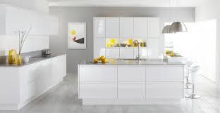 cuisine blanche carrelage gris lzzy co