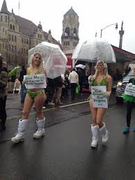 clad u0027lettuce ladies u0027 give st patrick u0027s day parade a u0027go