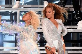Beyonce Coachella | coachella 2018 beyoncé fell on stage with sister solange and then