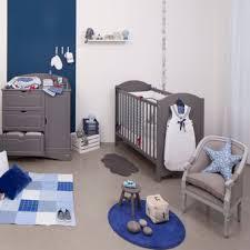 aménager chambre bébé dans chambre parents 5 matériaux sains pour aménager la chambre de bébé maman