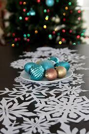 make christmas table runner 20 amazing diy christmas table decoration ideas
