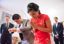 mariage cambodgien mariage cambodgien cérémonie du thé 124 confettis