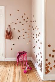 wandgestaltung gold die besten 25 wandfarbe gold ideen auf pink gold