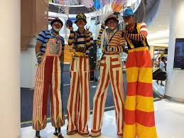 clown stilts clown services