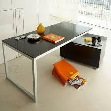 Schreibtisch Aus Eiche Schreibtisch Aus Eiche Lackiertes Holz Stahl Modern