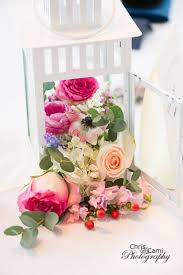 Lanterns With Flowers Centerpieces by 104 Best Wedding Centerpieces Images On Pinterest Wedding