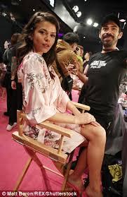 Lisa Lee Blind Date Georgia Fowler Victoria Lee At 2017 Victoria U0027s Secret Show Daily