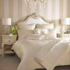 Cream Bedroom Furniture Sets by Best 20 Cream Bedroom Furniture Ideas On Pinterest Furniture