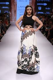 lakeme u0026 amazon indian fashion week for weddings guest fashion