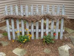 Backyard Fence Decorating Ideas by 211 Best The Picket Fence Images On Pinterest Wood Fence Ideas