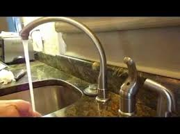 kitchen faucet drip repair how to fix a kitchen faucet come riparare un rubinetto