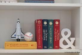 styling bookshelves for the kids