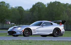 fastest dodge viper in the 2016 dodge viper acr unveiled fastest viper performancedrive