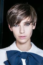 short androgynous hairstyle ideas for women
