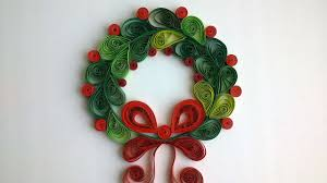 how to make a beautiful quilled christmas wreath diy crafts
