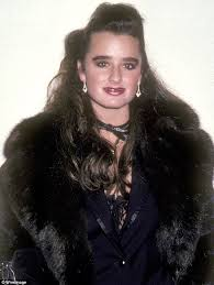 kyle richards needs to cut her hair yes i ve liposuction and a nose job real housewives of beverly
