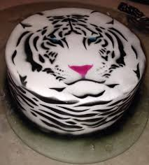 the 25 best tiger cake ideas on pinterest daniel tiger birthday