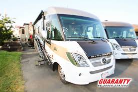2018 winnebago via 25t new m37037