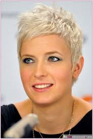 wedge one side longer hair 100 best short hair babes images on pinterest pixie cuts pixie
