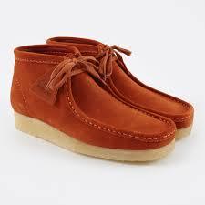 clarks wallabee boot rust vintage suede