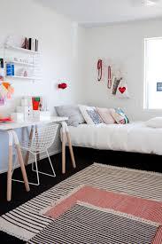 tapis chambre ado fille idées déco superposer des tapis tapis chambre superpose et tapis